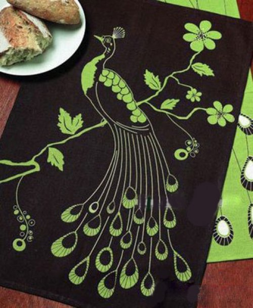 餐巾孔雀折法图解