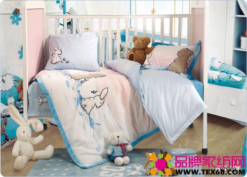 经典儿童床品可爱的卡通动物图案,为小孩子设计了一方自由的小天地