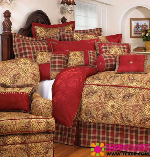 精致奢华床品超大尺寸,细长花纹的密集排列和卷曲的花瓣,华丽的纹饰在