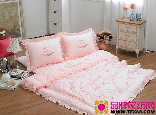 卧室榻榻米床装修图片,6平米小卧室榻榻米床,卧室榻榻米床