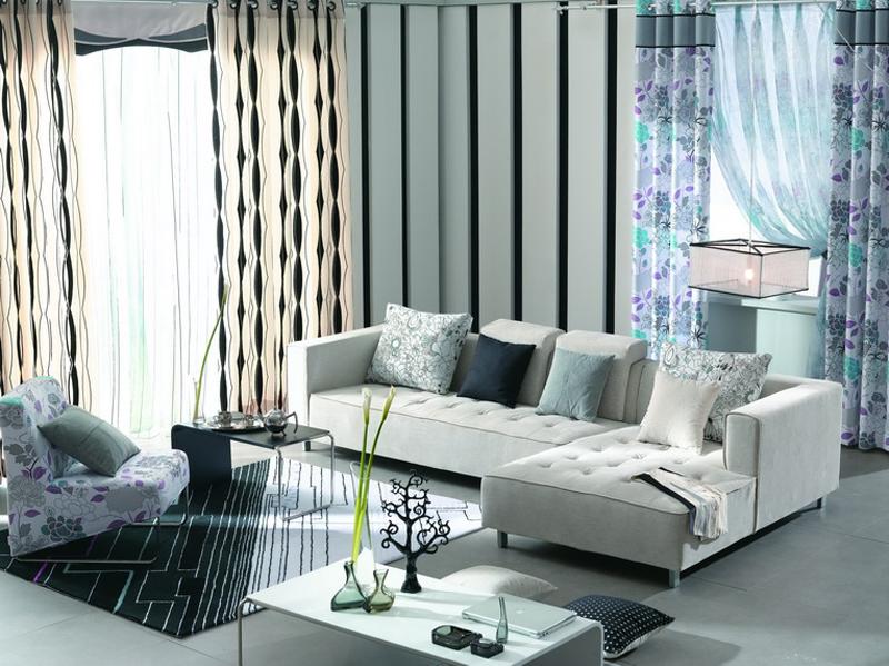 简约布艺沙发平实的设计线条,休闲自然的风格,带来清新简洁的视觉感受