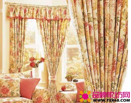 成了典型的欧式风格窗帘