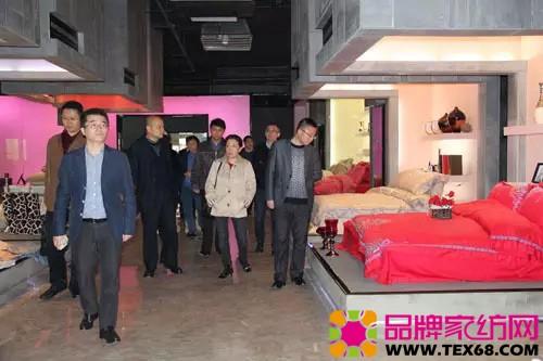 参观中国家纺博物馆