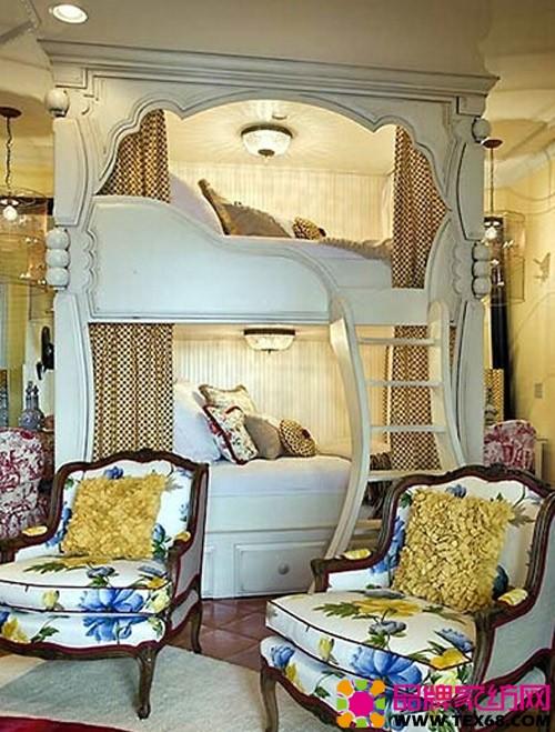 这样的双层床设计很有童话里城堡的感觉