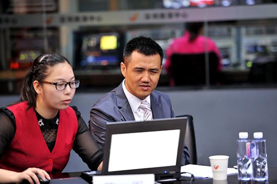 多喜爱董事长陈军荣获全国纺织工业劳动模范称号