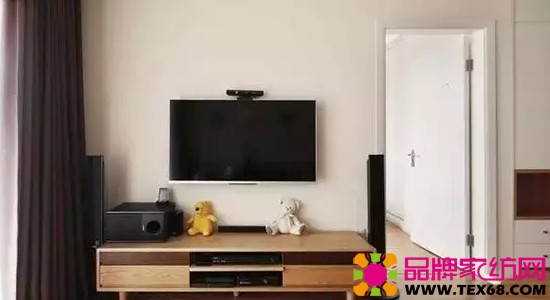 灰色的沙发搭配原木风格