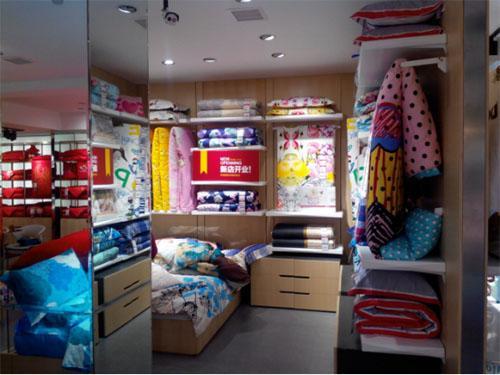 多喜爱家纺时尚床品引导即兴购买消费风尚