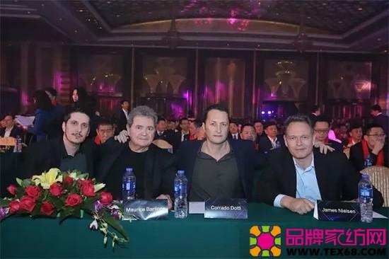 慕思设计师:Jeremie Barilone、Maurice Barilone、Corrado Dotti、James Boganik Nielsen