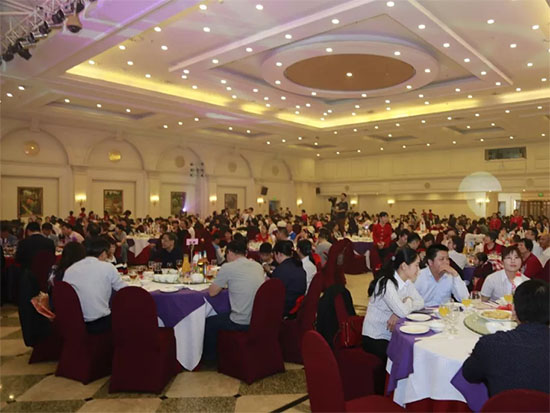 黛富妮春酒年欢晚会在丹灶祈福仙湖酒店盛大举行