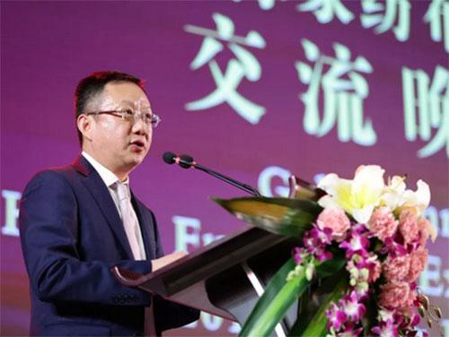 中国家用纺织品行业协会会长杨兆华