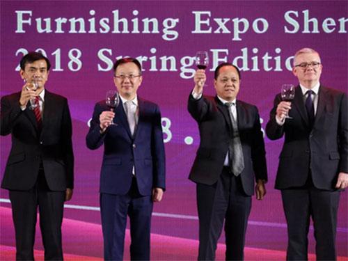 四位领导嘉宾共同主礼祝酒仪式