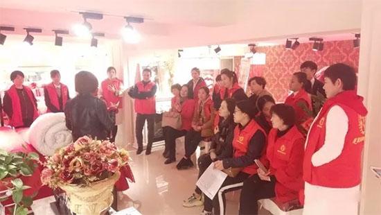 黛富妮公司工会主席李芳表示本次的培训意义重大