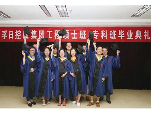 孚日集团周文国等硕士论文获评东华大学年度成果