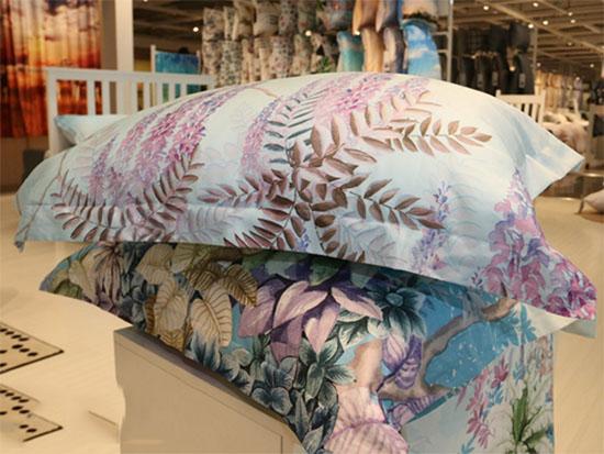 世博馆中展出的印花枕头