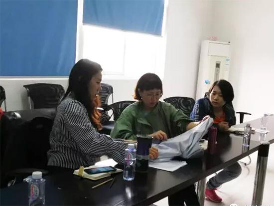 家纺面料公司技术人员介绍了大提花设计特点