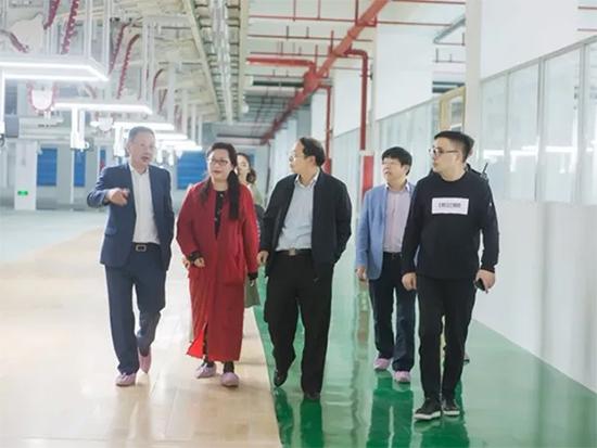 兆华一行在公司董事长邱建林、总经理倪晨的陪同下实地参观了海聆梦大丰的4家公司