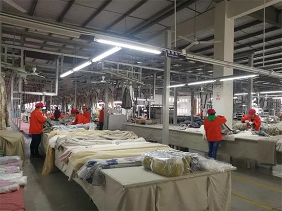 窗帘的全流程生产线