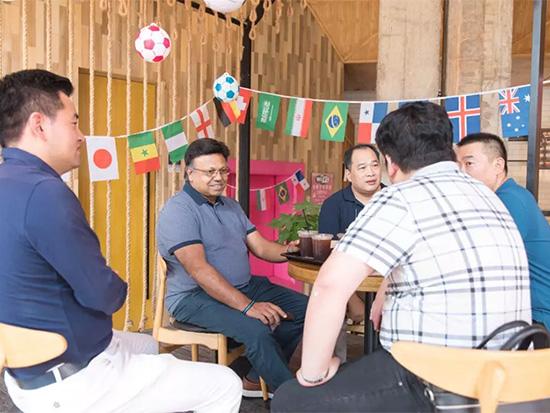 一行人参观了宁波博洋家纺集团有限公司创客157园区