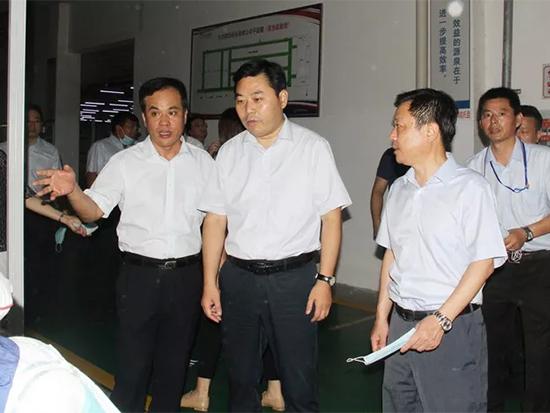 王连春一行查看了棉纺公司