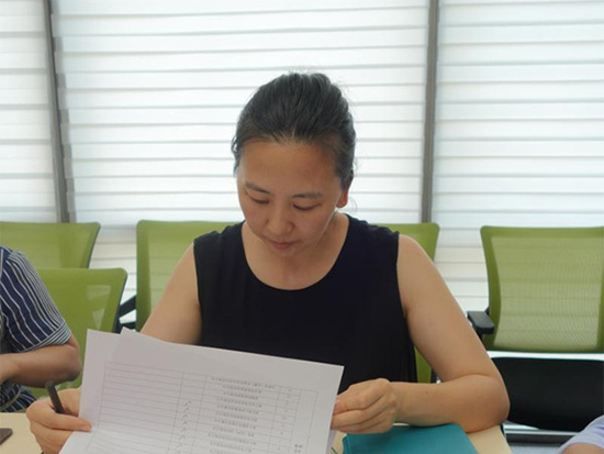 中国家用纺织品行业协会副秘书长、经销商专业委员会秘书长吴永茜