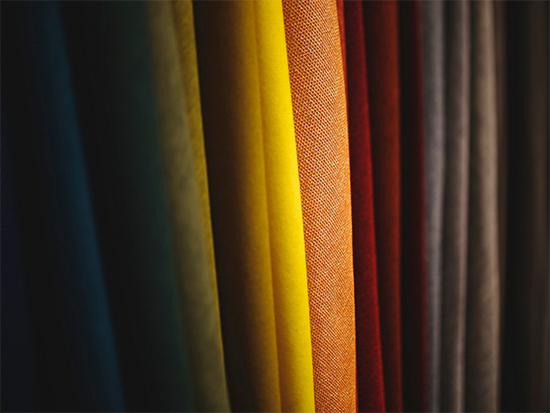 中国轻纺城:窗帘布创意花型面料销售顺畅