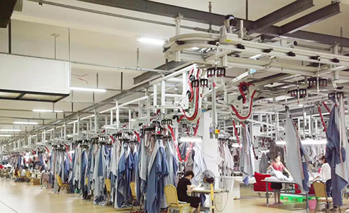 蓝丝羽家纺行业首创全进口智能制造设备