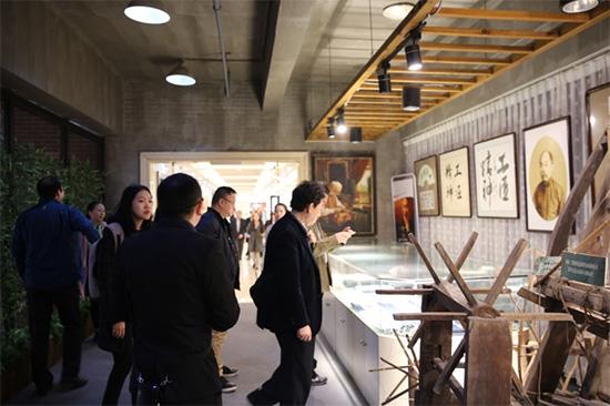 作为纺织之乡的南通,有着光荣的历史,在老裁缝的博物馆,保留了珍贵家纺藏品