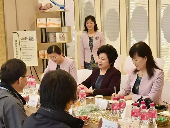 总裁姜学莲女士对中家纺协会表示感谢