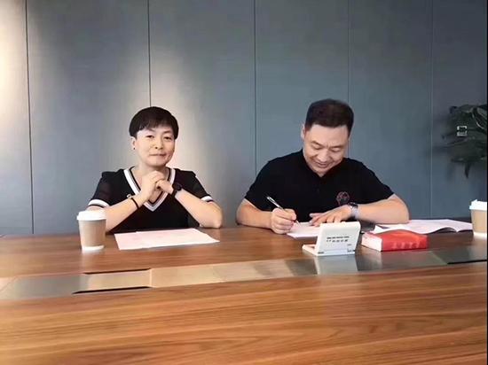 陕西省总代理李总夫妇