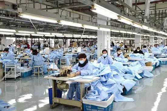 红豆股份生产防护服