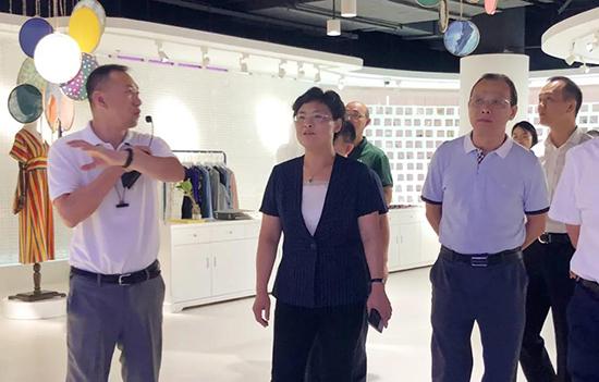盛泽设界总经理杨立夫详细介绍了设界项目的成立背景等
